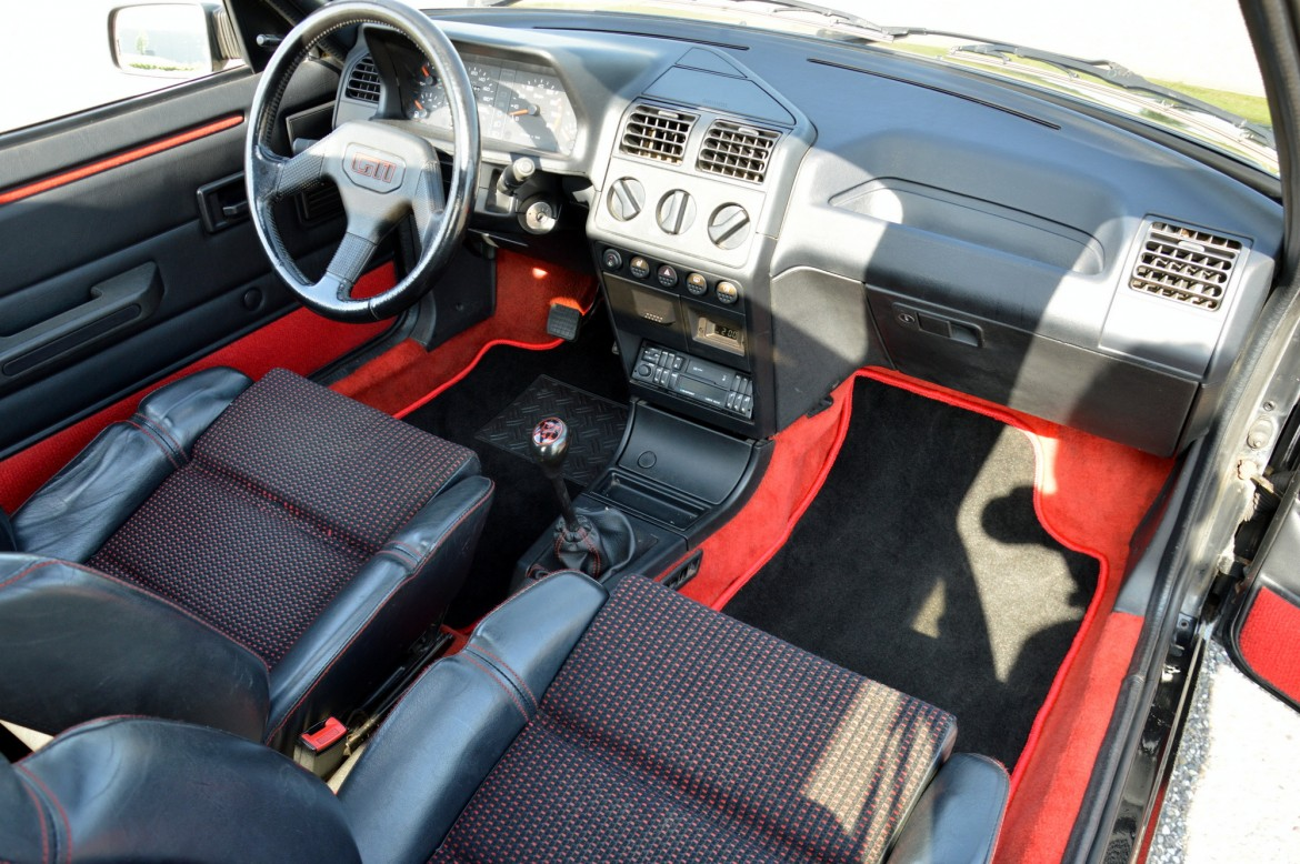 Peugeot 205 gti lex classics for Interieur 205