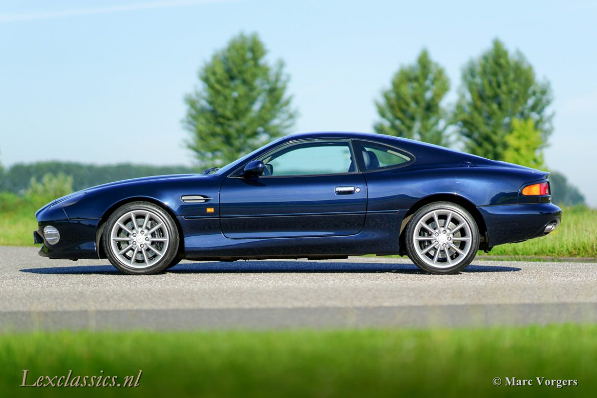 Aston Martin Db7 Vantage on car engine